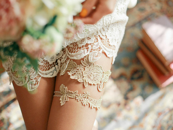 Vintage Gold Lace Wedding Garters Set